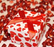 Что лучше подарить любимой женщине — идеи подарков
