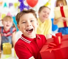 Идеи подарков мальчику на день рождения разных возрастов