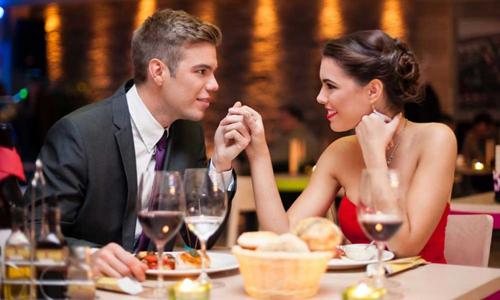 романтический ужин с женой в ресторане