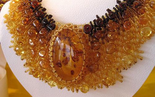 янтарные украшения