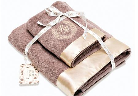 комплект полотенец и плед