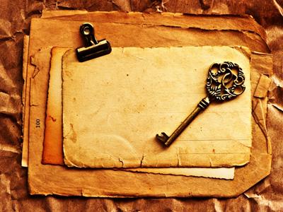 старинная бумага и ключ