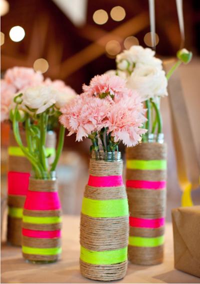 декорированные нитью вазы