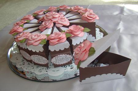 бумажный торт со сладостями