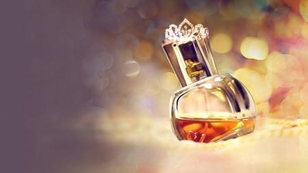 флакон женского парфюма