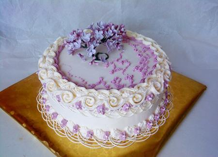 торт с кремом на день рождения