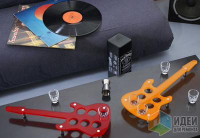 подставка для стаканов в виде гитар