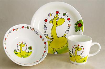 посуда для ребенка с динозавриком