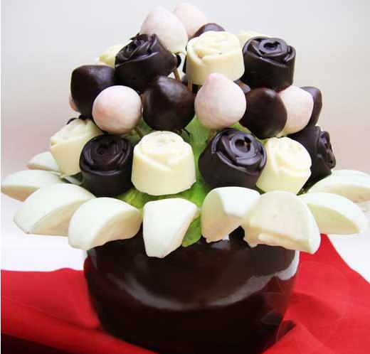 букет цветов из шоколадных конфет