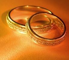 Что подарить на золотую свадьбу родственникам
