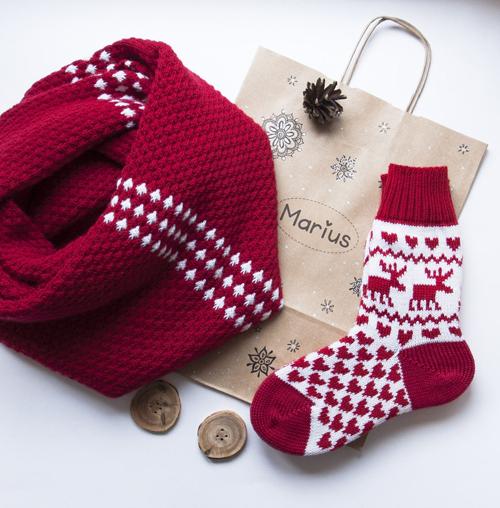 вязаные носки и шарф в подарок