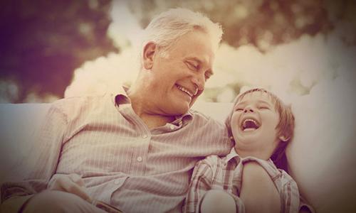 дедушка с внучкой